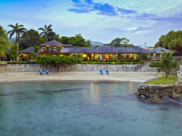 Four Winds - Ocho Rios 5 Bedrooms beachfront, holiday rental in Jamaica