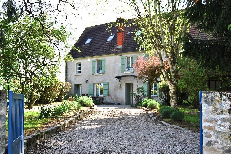 18th Century Cottage 1 hour from Paris, location de vacances à Montreuil-aux-Lions