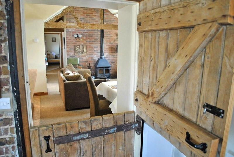 STABLE COTTAGE at Brookfield Farm, holiday rental in Slindon