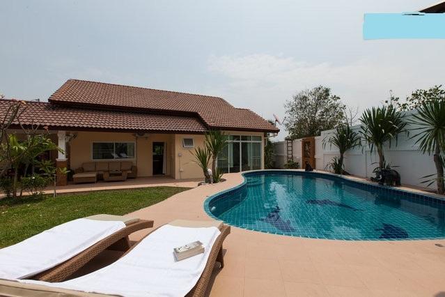 HUA HIN villa - big private p, holiday rental in Hua Hin