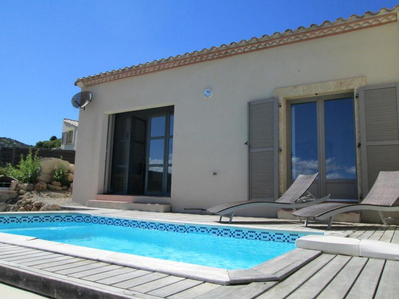 New Villa With Private Pool In Picturesque Village, holiday rental in Pyrenees-Orientales