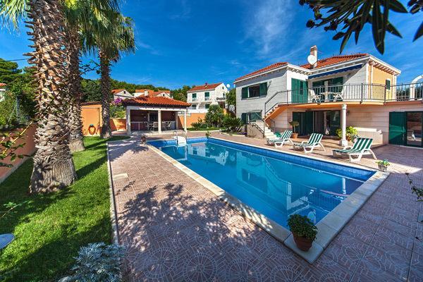 Villa Rasotica - 3 Palms, holiday rental in Sumartin