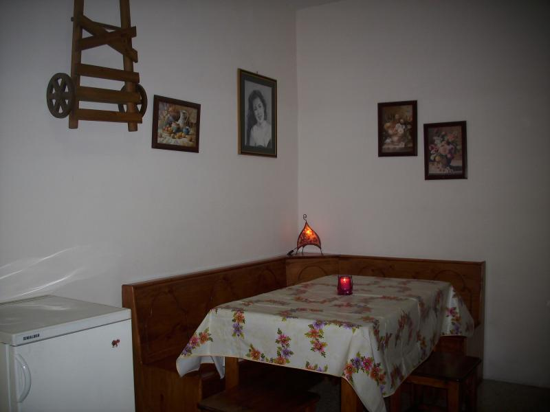 St.Paul's Bay Bugibba low budget holiday apartment, holiday rental in Qawra
