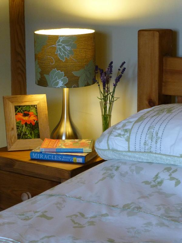 Relax and unwind  .... double ensuite bedroom in Old Shire Stables