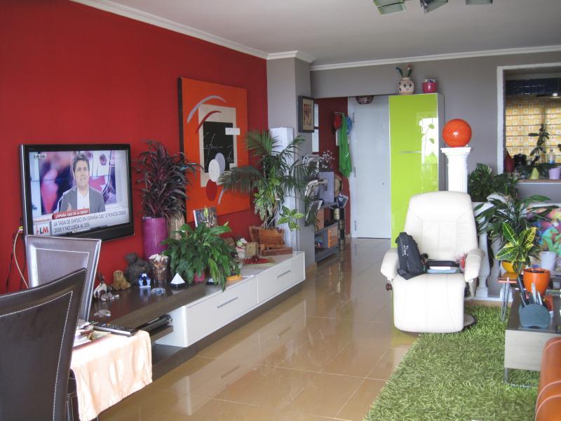 duplex, con vistas a la piscina, mar y parque, holiday rental in Torremolinos