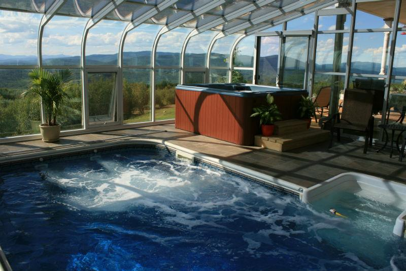 Heartstopping Views, Heated Indoor Pool Close to Skiing Snowmobiling, Xcountry,, holiday rental in Woodstock