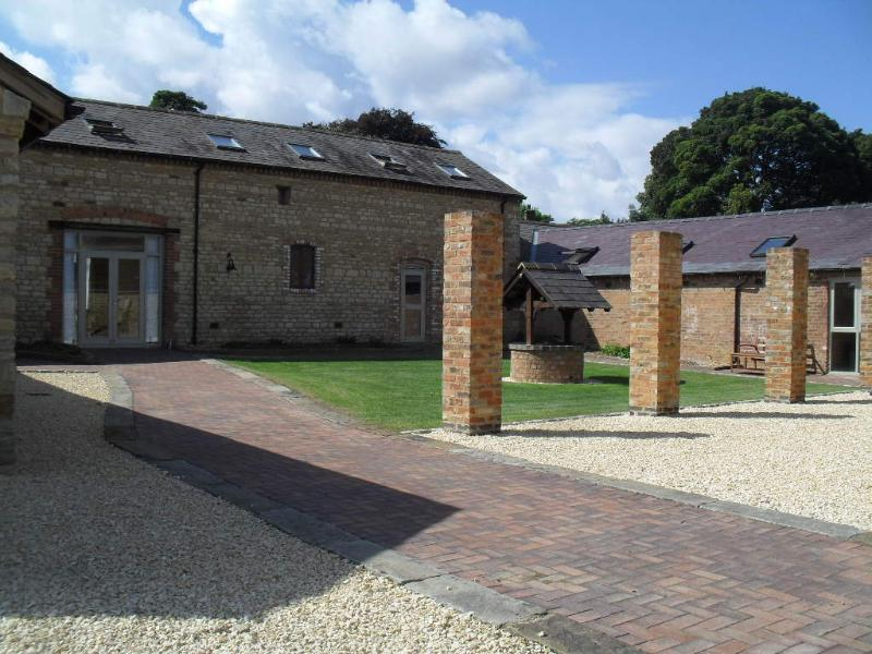 Toad Hall, Towcester, Northamptonshire., holiday rental in Buckingham