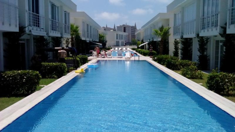 Lifein Lara Villaları, holiday rental in Karacalli