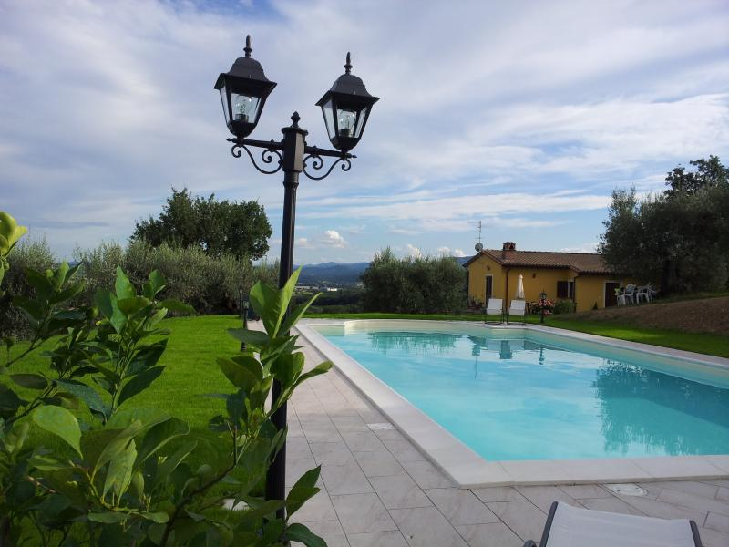 Umbrian Holiday House with pool - private use!!, holiday rental in Perugia