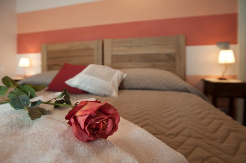 APPARTAMENTO NEL CUORE DEL BAROLO, IN LA MORRA, vacation rental in Verduno