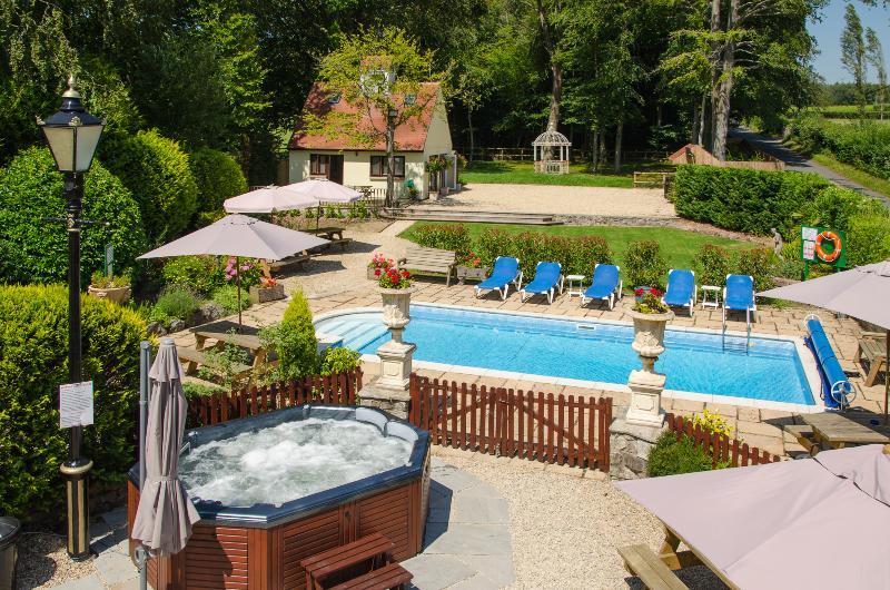 Hot Tub & Heated Pool Area