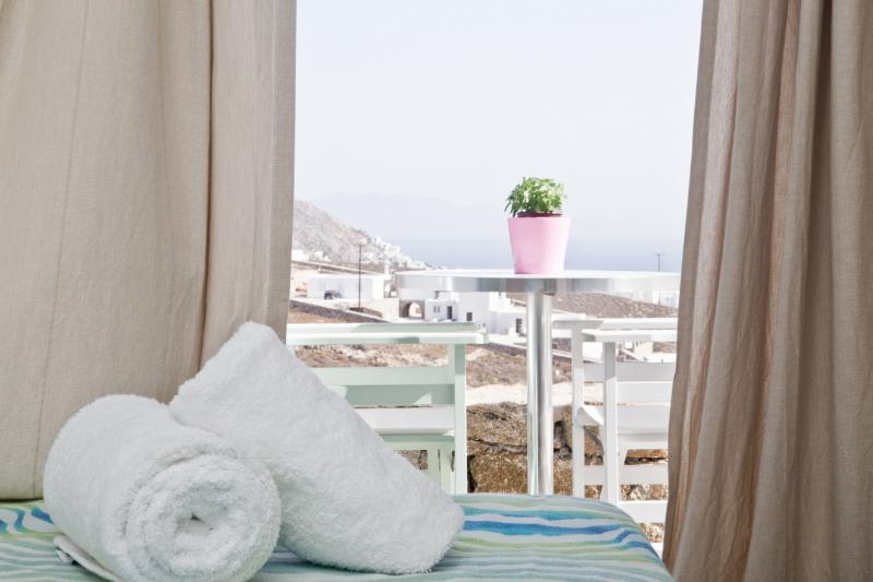 Niriides Sea View STUDIO, holiday rental in Elia