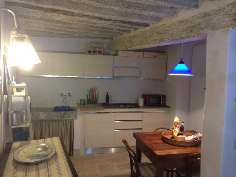 charming apartment in the village of Cetona, holiday rental in Cetona