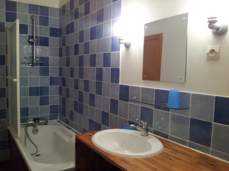 salle de bains au premier étage