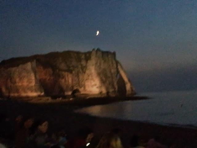 falaise d'Etretat un soir du 14 juillet (à 15 kms)
