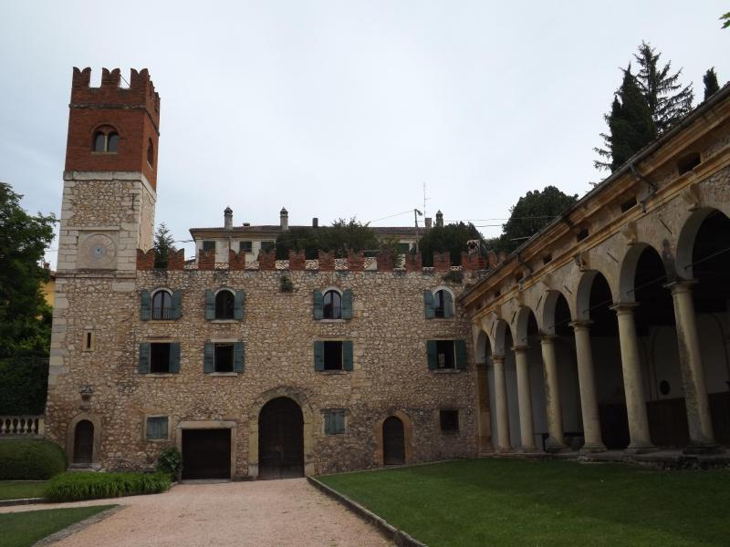 Il Castelletto - History and Charme in the Heart of the Verona Vineyards