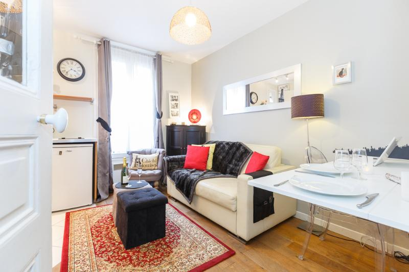 French Kiss : a cosy one bedroom apartment in Montmartre, location de vacances à Paris