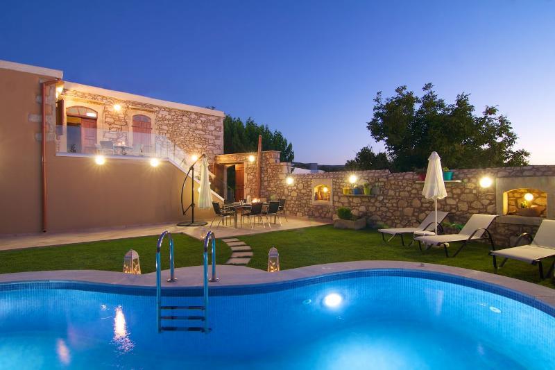 Blue Paradise villa, alquiler de vacaciones en Creta