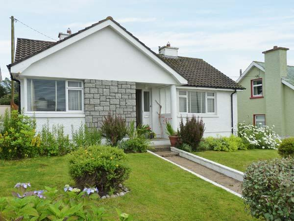 TEACH ANNIE, ground floor, detached, open fire, lawned gardens, near, alquiler de vacaciones en Gweedore