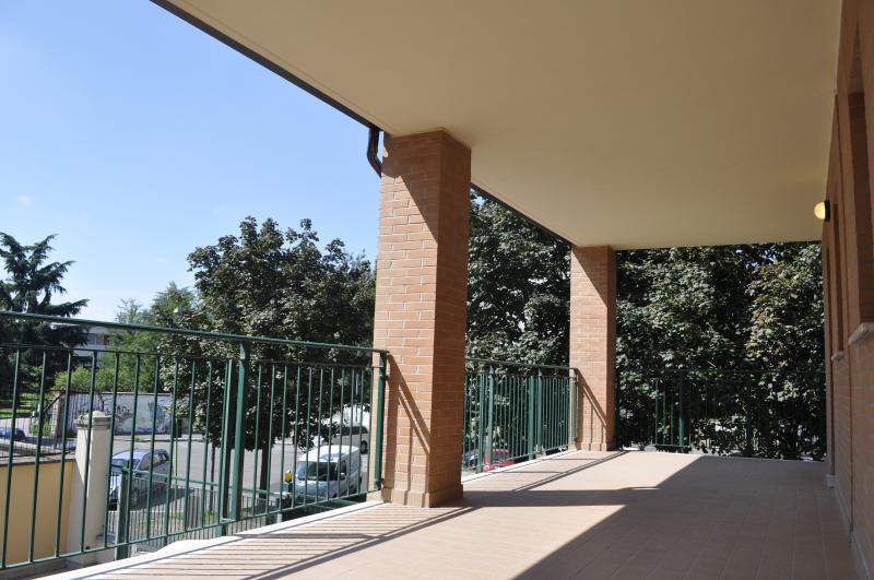 Un terrazzo sul parco, location de vacances à Carpenzago