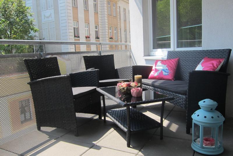 Neue Möbel auf der Terrasse  für Entspannung!