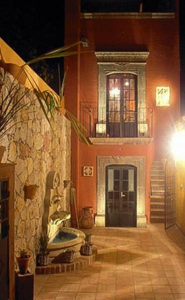Front of Casa Amor (ground floor) and Casa Mirador (first floor)