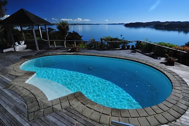 Reflections On The Bay, donnant sur la piscine privée