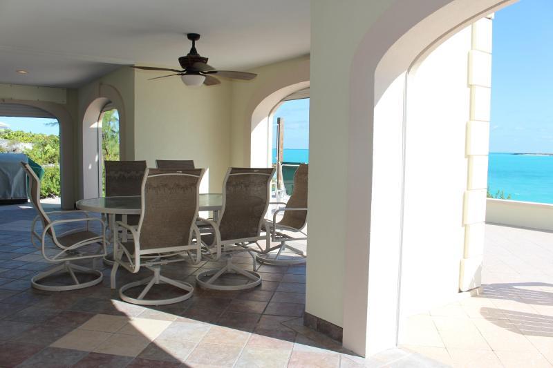 Indoor/Outdoor dining area