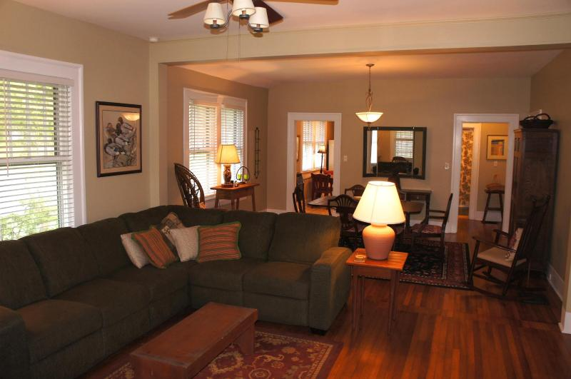 Cottage At Franklin Park Has Air Conditioning And Wi Fi