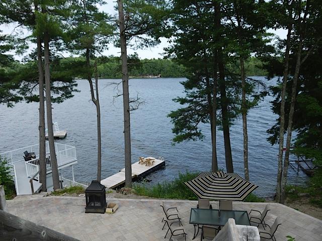 Vista del lago - cabana y patio inferior