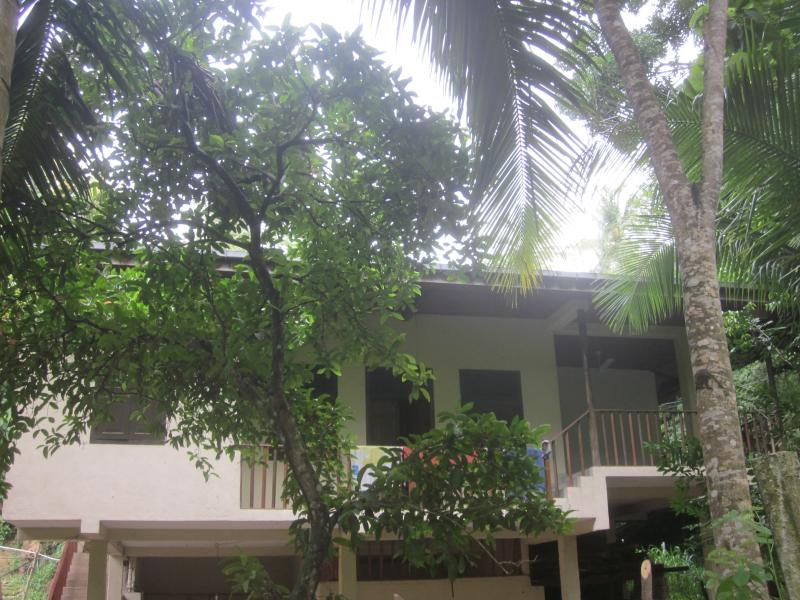 Apartment with two bedrooms and two bathrooms, vacation rental in Makandura
