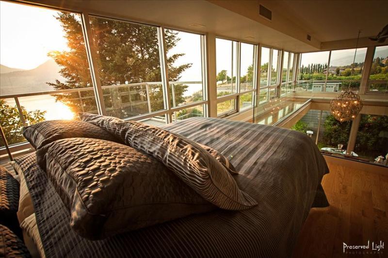 Primera planta: nueva cama de matrimonio para las personas de 5º y 6º.