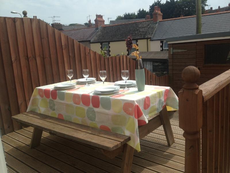 Our sunny south facing garden for 'al fresco' dining