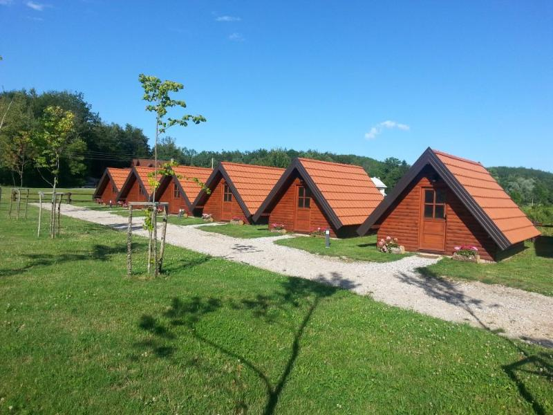 Eco camp Rizvan City, holiday rental in Perusic