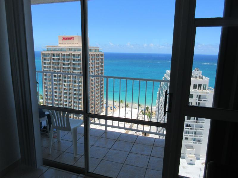 Great Condo w/Breathtaking Ocean Views!, holiday rental in San Juan
