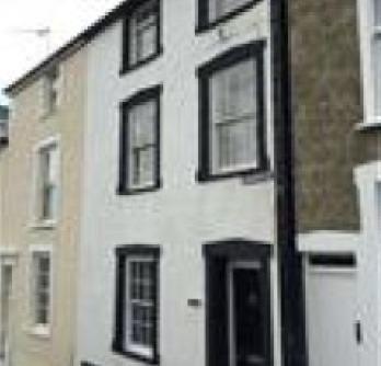 Delfryn - 3 Bedroom Property in Village Centre