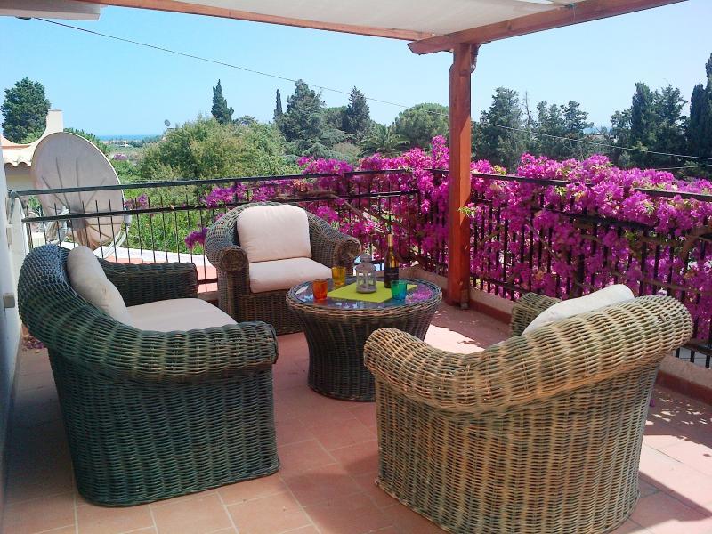 Entspannung pur bei Meeresluft, mediterranem Flair und ein Glas Prosecco...