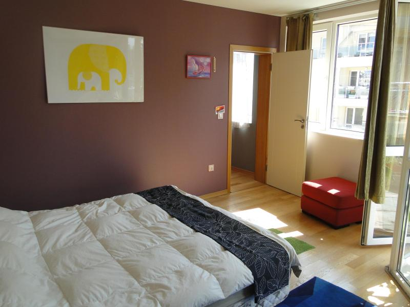 Spacious Light Tropical Paradise, holiday rental in Sofia