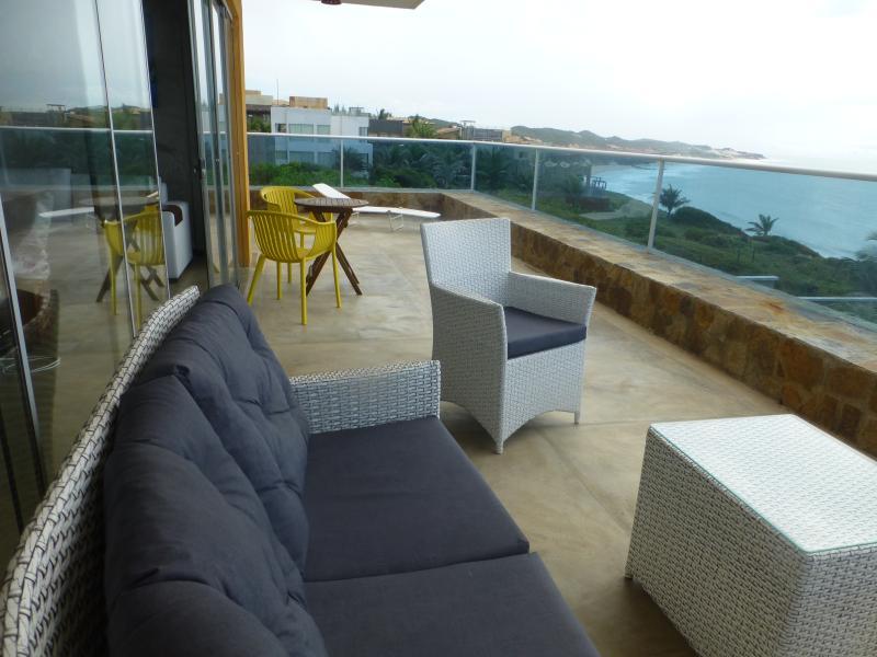 Terrace & balco avec vues sur la plage et l'océan