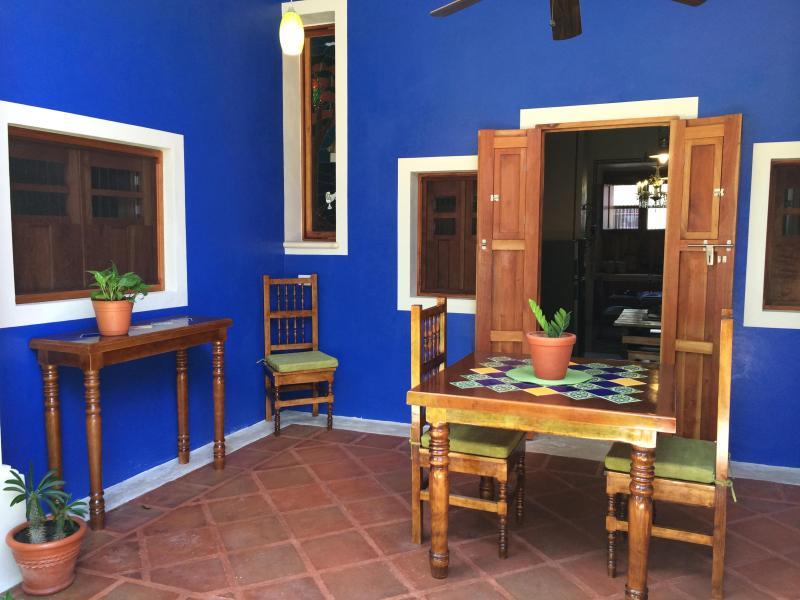 Terrasse couverte (portes de cuisine)
