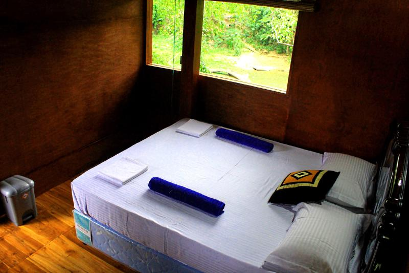 HOTEL RIVER FRONT, vakantiewoning in Tangalle
