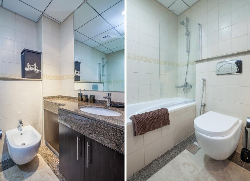 There are 3 bathrooms with showers, toilets, washbasins and bidets. Towels for bath & pool provided.