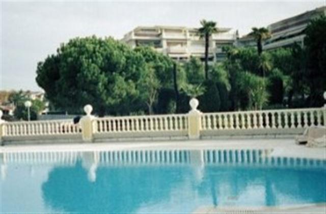 The lovely pool of the residence