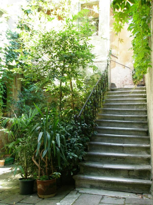 Flystone staircase