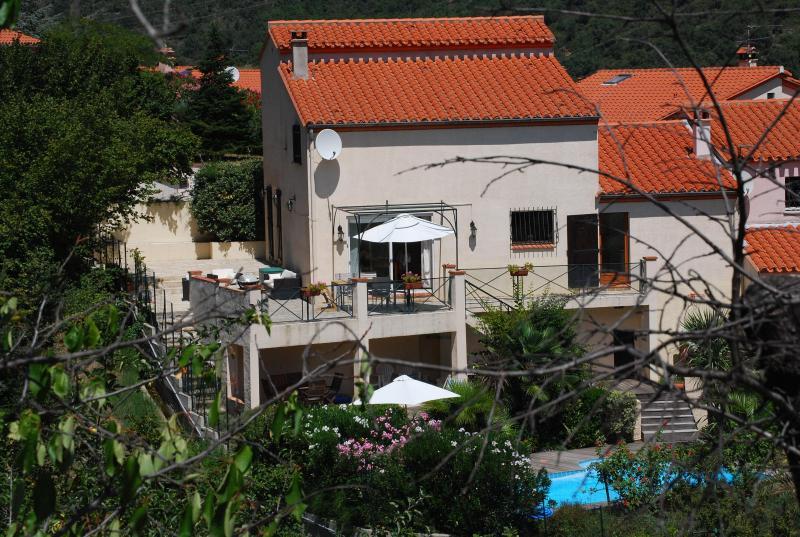 Huis van het zwembad