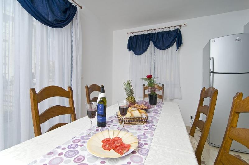 Ground floor Dining table