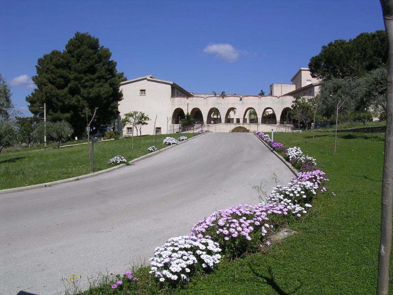 Ingresso Villa Mater Dei Casa per Ferie