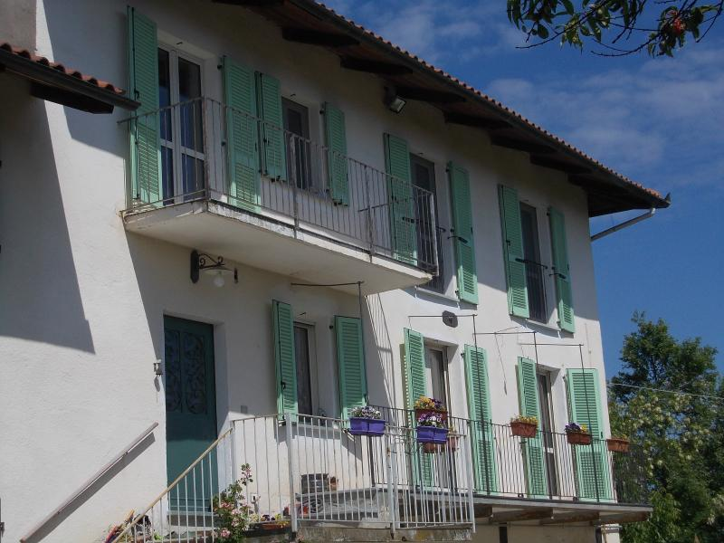 Holiday home near Asti, location de vacances à Asti