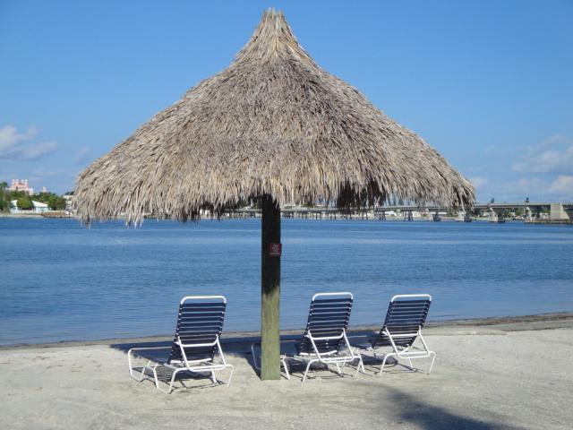Bahia Vista Private Beach With Tiki Huts
