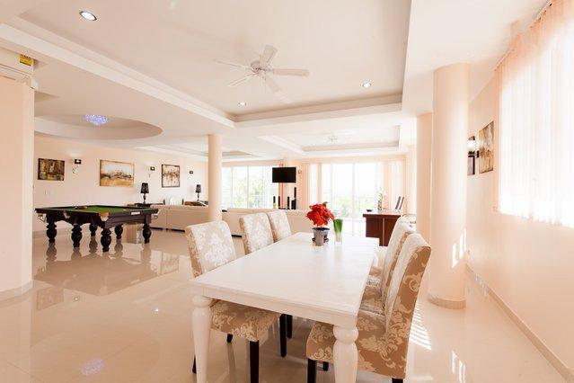 Luxury 3 Bedroom Apartment, holiday rental in Rawai